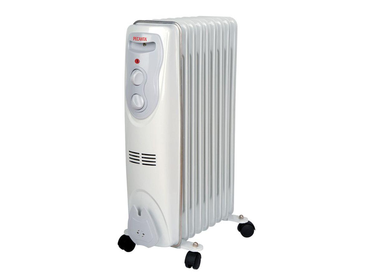 Ресанта ОМ-9Н (2 кВт) напольный радиатор67/3/8Масляный обогреватель Ресанта ОМ-9Н оснащен термостатом, измеряющим температуру масла. Температура задается поворотом ручки регулировки. На минимальном положении ручки работает режим антизамерзания. То есть радиатор будет включаться только для того, чтобы сохранить в помещении температуру не менее 0° по Цельсию.