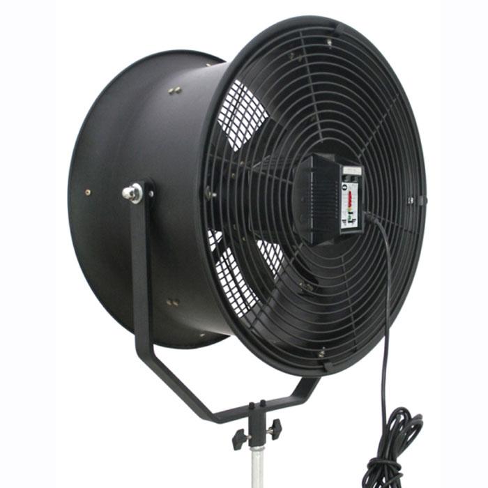 Rekam TWT-1000 туннельный вентилятор для фото и видео студийTWT-1000Студийный туннельный вентилятор TWT-1000. Этот инструмент призван помочь фотографам, работающим в области рекламной и художественной фотографии, а также в модельном бизнесе, создавать динамичные фотографии с эффектом потока воздуха. То есть, по своей сути, вентиляторы - это адаптированная для фото/видео студии, уменьшенная «копия» применяемого в киностудиях «ветродуя». Встроенная электронная схема позволяет пользователю контролировать скорость воздушного потока как вручную, так и беспроводным способом при помощи радиопульта.