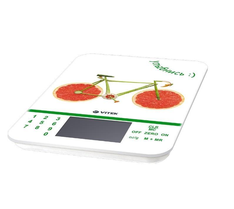 Vitek VT-2413(W) весы кухонныеVT-2413(W)Сегодня особенно актуально вести здоровый образ жизни, в чем первостепенную роль играет сбалансированное питание. Легко соблюдать точную рецептуру, пропорции блюд, а также определить пищевую ценность продуктов позволят уникальные кухонные весы VT- 2413 W. Благодаря стильному и компактному устройству с ярким принтом вы не только украсите кухню, но и сможете соблюдать рецептуру сложных блюд, определять вес как твердых, так и жидких продуктов. Так, вы результат вы получите в граммах, миллилитрах, фунтах и унциях.Но главное преимущество данной модели в способности определять пищевую ценность продуктов (то есть их химический состав и полноту пользы продуктов для вашего организма) в 7 измерениях. Например, вы сможете узнать количество калорий, процент натрия, белков, жиров, углеводов и клетчатки. Важно, что в весах предусмотрена информация о пищевой ценности 999 продуктов! Это особенно полезно, если вы тщательно следите за здоровьем всей своей семьи. Одновременно с этим весы оснащены...
