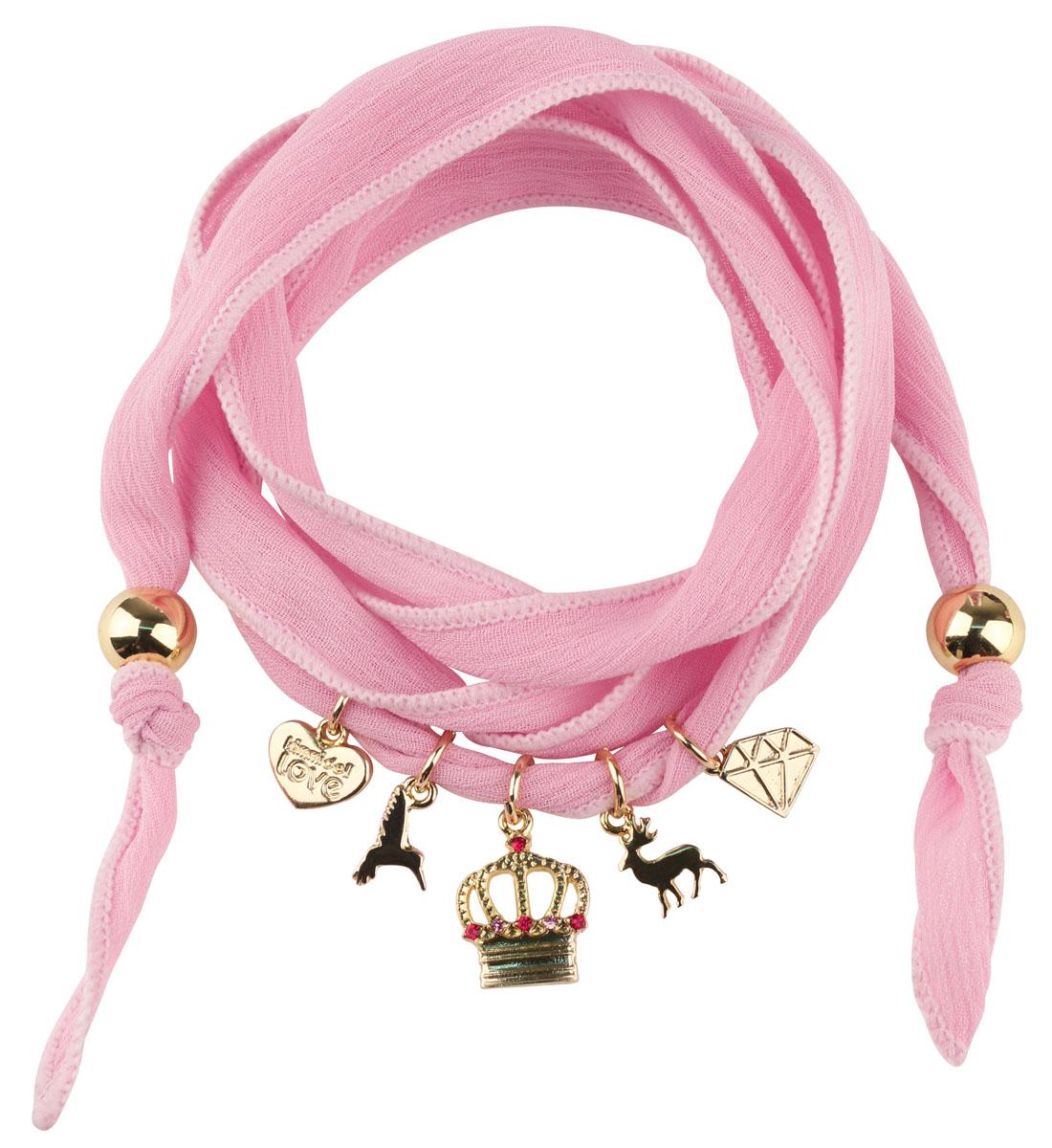 Женский браслет Kimmidoll Примроуз (Величие и богатство)KLF228Очаровательный браслет, выполненный из шифона, оформлен подвесками в виде сердца, короны, кристалла и оленя. Концы браслета оформлены бусинами. Изделие упаковано в подарочную коробку. Такой браслет прекрасно подойдет к вашему образу. Его можно повязать не только на руку, но и на шею или даже на любимую сумочку. Привет, меня зовут Примроуз! Я талисман богатства и величия. Скромность никогда не была частью вашей жизни! Возможно, приходится притворяться, но когда вы начинаете танцевать - можно держать пари, ваша шаловливая натура не заставит себя долго ждать!