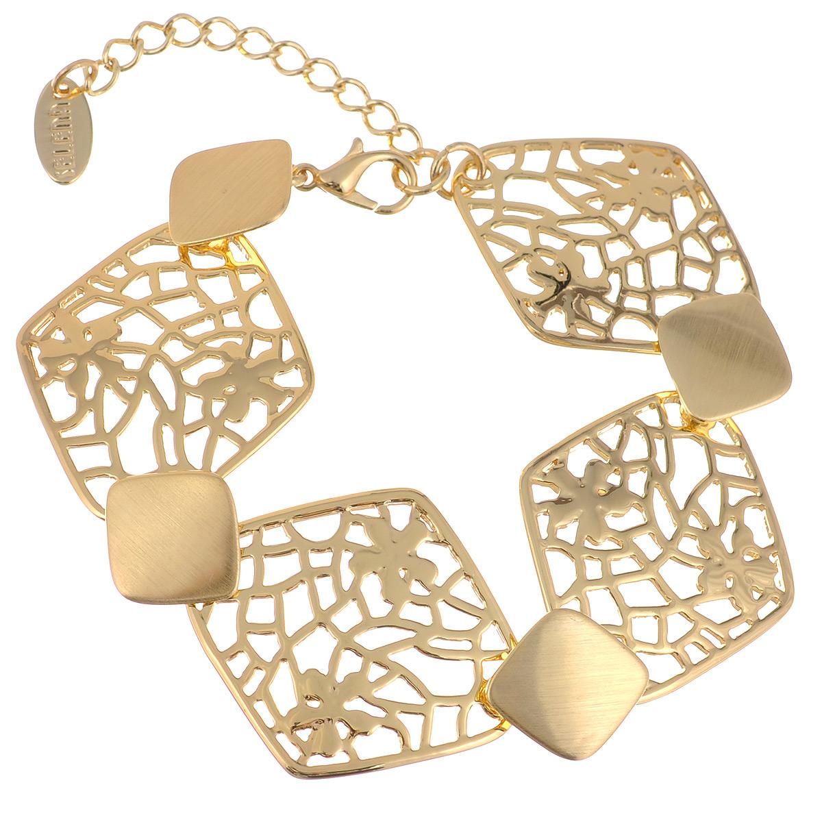 Браслет Selena Medea, цвет: золотистый. 4005144040051440Оригинальный браслет Selena Medea выполнен из металла с гальваническим покрытием золотом и декорирован резным узором. Браслет застегивается карабином с цепочкой. Длину можно регулировать. Изящный браслет придаст вашему образу изюминку, подчеркнет красоту и изящество вечернего платья или преобразит повседневный наряд. Украшения Медея – это стильная и лаконичная классика, изделия, которые выглядят как дорогие дизайнерские ювелирные украшения.