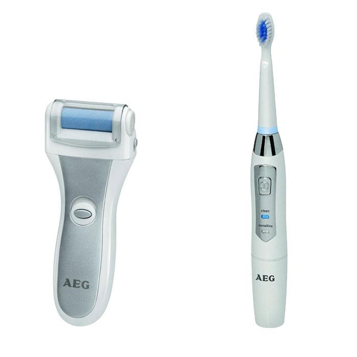 AEG PHE 5642, White Silver Электрическая роликовая пилка + зубной центр AEG EZS 5663PHE 5642 weis-silber + EZS 5663 wessAEG PHE 5642 - машинка для педикюра и удаления мозолей в домашних условиях. Специальное покрытие ролика служит для безболезненного удаления ороговевшей кожи и стимулирования роста новой.