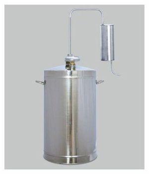 Первач Эконом 20 домашний дистиллятор, 20 лД Дачно-Деревенский 20Дистиллятор Первач Эконом 20 выполнен из высококачественной пищевой нержавеющей стали 08Х18Н10Т и имеет неограниченный срок службы. Это прекрасный подарок настоящим ценителям качественных напитков. Данная модель абсолютно безопасна, так как оборудована клапаном сброса избыточного давления. Первач Эконом 20 компактен, прост в применении. Проточное охлаждение.