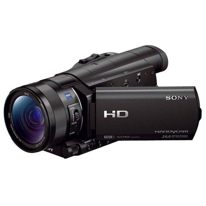 Sony HDR-CX900E видеокамераHDRCX900EB.CENКамера Sony HDR-CX900E для профессиональной съемки Full HD с матрицей Exmor R CMOS типа 1.0 для потрясающего качества изображения, высокой чувствительности при низкой освещенности и роскошного боке. Камера HDR-CX900E оснащена крупной матрицей Exmor R CMOS со светочувствительным элементом, который примерно в 4,9 раза крупнее, чем у матриц типа 1/2.88. Камера оснащена объективом ZEISS Vario-Sonnar T* с 12- кратным оптическим зумом с широкой и семилепестковой ирисовой диафрагмой для видео профессионального уровня и красивого боке. CX900E имеет зум Clear Image от Sony для высокой детализации при 12-кратном увеличении. Новый процессор изображений BIONZ X предлагает запись более ярких и реалистичных изображений в более высоком разрешении, а также запись с частотой 120 кадров/с. Подключайтесь по беспроводной связи к своему телефону, планшету или телевизору. Встроенные модули Wi-Fi и NFC позволяют в одно касание передавать видеоклипы и фотографии по...