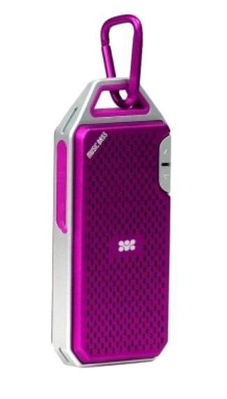 Promate Wee, Pink Bluetooth-динамик00007396Мы считаем, что Вы ни в коем случае не должны искать компромисс между качеством звука и портативностью. Представляем Вашему вниманию беспроводной ультрапортативный динамик. Даже с его ультракомпактными размерами динамик обеспечивает высококачественный звук. Он может быть просто пристегнут к Вашему рюкзаку или на джинсы! Вы можете воспроизводить на нем любые звуки с любого мобильного девайса, оснащенного технологией Bluetooth и даже слушать любимые треки с помощью встроенного устройства для чтения TF карт. Wee также может быть использован для ответа на звонок. Все это помещается внутри износостойкого алюминиевого корпуса. Wee - идеальное аудиорешение для воспроизведения музыки как в помещении, так и вне его!