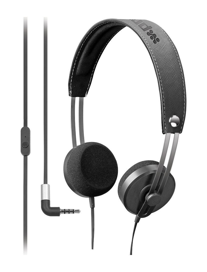 Promate Tone, Black наушники00007384Tone – проводные наушники с микрофоном, которые станут Вашим ключом в мир любимой музыки. Одно удовольствие ощущать, как любимые мелодии играют в этих потрясающих наушниках, которые созданы для того, чтобы бесконечно радовать пользователя. Даже кожаные подушечки для каждого уха служат для максимального наслаждения и полностью соответствуют стилю «люкс». Эти наушники для телефона и планшета, так что не стоит беспокоиться о том, что гарнитура не будет работать на каком-то из устройств. Вообще, когда на Вас Tone – не стоит беспокоиться, а только наслаждаться любимой музыкой! Ведь звук на столько чист, что в нем хочется попросту раствориться. Это действительно хорошие наушники для музыки!