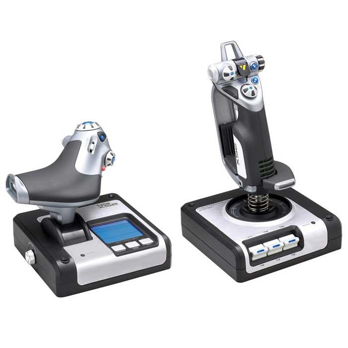 Saitek X52 Flight Control System джойстик (PS28)PS28Джойстик Saitek X52 Flight Control System - это одна из самых реалистичных систем на сегодняшний день. Бесконтактные датчики Холла на осях х и у, футуристичный дизайн, удобство и реализм управления, демократичная цена - вот отличительные особенности данной модели. Полностью интегрированная компьютерная система управления полетом Точность, эргономичность и дизайн, в комплексе позволяют наиболее реалистично передать ощущения полета Программирование джойстика посредством программного обеспечения Saitek Smart Technology (SST) Улучшенный геймплей с информативным и простым мульти-функциональным дисплеем (МФД) Кнопки с подсветкой и МФД - хорошо заметные при плохом освещении Резиновые вставки и улучшенный дизайн позволяют насладиться игрой с комфортом и без усталости Металлические детали в конструкции предают большую прочность и долговечность всей конструкции В комплекте - программа Roger Wilco Chat для связи в онлайн играх