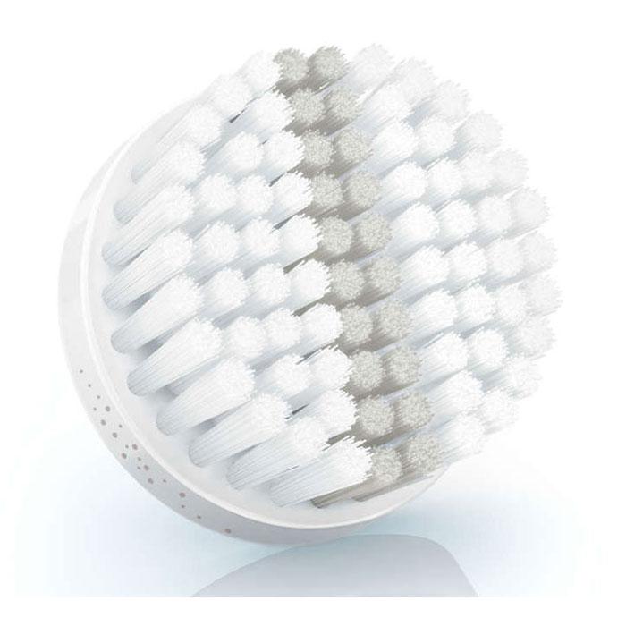 Philips SC5992/10 насадка для пилинга для VisaPureSC5992/10Сменная насадка Philips SC5992/10 с эффектом пилинга для бережного удаления омертвевших клеток кожи. Еще более мягкие и тонкие щетинки удаляют больше отмерших клеток, чем при очищении руками. Использование данной насадки повышает впитываемость средств по уходу за кожей и улучшает микроциркуляцию, обеспечивая сияние. Допускается использование только с прибором для очищения кожи лица Philips VisaPure Essential.