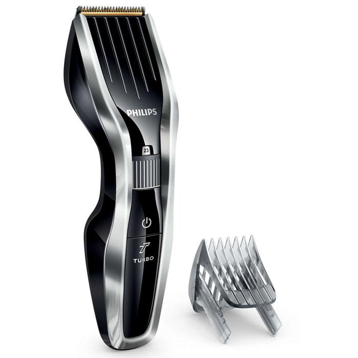 Philips HC5450/15 машинка для стрижки волосHC5450/15Машинка для стрижки волос Philips HC5450/15 создана для эффективной работы и долгой службы. Инновационный режущий блок, прочные титановые лезвия и регулируемый гребень — все, что нужно для быстрой и точной стрижки. Двойной режущий блок с двойной заточкой и уменьшенным трением: Усовершенствованная технология DualCut — это режущий блок с двойной заточкой и низким коэффициентом трения. Прочный корпус выполнен из нержавеющей стали, а инновационный режущий блок обеспечивает в два раза более быструю стрижку для любого типа волос по сравнению с обычными машинками Philips. Самозатачивающиеся титановые лезвия придают дополнительную прочность: Титановые лезвия прочнее стальных, они являются стандартом максимальной надежности. Кроме того, лезвия самозатачиваются, обеспечивая долгий срок службы и точную стрижку. 24 установки длины от 0,5 до 23 мм, которые легко выбрать и зафиксировать: Поверните колесико для выбора и фиксации...