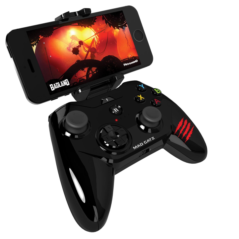 Mad Catz Micro C.T.R.L.i, Gloss Black беспроводной геймпад для iPhone и iPadMCB312680AC2/04/1Mad Catz Micro C.T.R.L.i – это мобильный геймпад с традиционными элементами управления для устройств, работающих на iOS 7 и выше. Благодаря съемному креплению для смартфона Micro C.T.R.L.i превращает ваше устройство iOS в портативную игровую консоль, где бы вы ни находились — дома или в дороге. А подключив свой iPhone к телевизору с помощью адаптера Lightning Digital AV от Apple, вы сможете играть в настоящие аркадные игры в собственной гостиной. Благодаря скорости реагирования, которая гораздо выше, чем у стандартных геймпадов для игровых консолей, Micro C.T.R.L.i по праву можно считать лучшим геймпадом для устройств Apple. Идеальная совместимость с устройствами Apple: Мобильный геймпад Micro C.T.R.L.i оснащен модулем Bluetooth с микросхемой, одобренной компанией Apple, что гарантирует полную совместимость с устройствами Apple. Геймпад Micro C.T.R.L.i официально сертифицирован компанией Apple, соответствует нормативным характеристикам и даже...