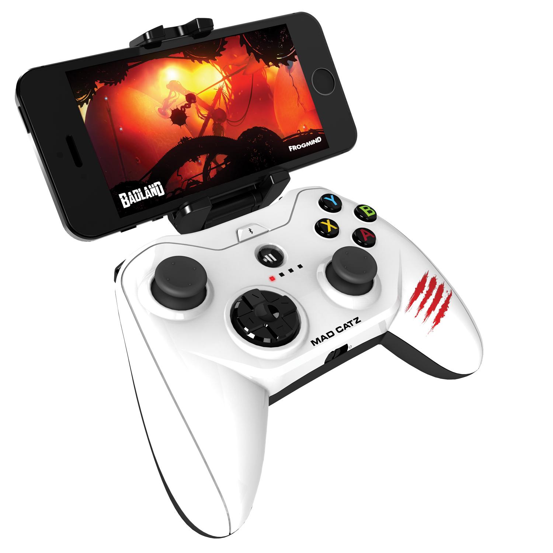 Mad Catz Micro C.T.R.L.i, Gloss White беспроводной геймпад для iPhone и iPadMCB312680A01/04/1Mad Catz Micro C.T.R.L.i – это мобильный геймпад с традиционными элементами управления для устройств, работающих на iOS 7 и выше. Благодаря съемному креплению для смартфона Micro C.T.R.L.i превращает ваше устройство iOS в портативную игровую консоль, где бы вы ни находились — дома или в дороге. А подключив свой iPhone к телевизору с помощью адаптера Lightning Digital AV от Apple, вы сможете играть в настоящие аркадные игры в собственной гостиной. Благодаря скорости реагирования, которая гораздо выше, чем у стандартных геймпадов для игровых консолей, Micro C.T.R.L.i по праву можно считать лучшим геймпадом для устройств Apple. Идеальная совместимость с устройствами Apple: Мобильный геймпад Micro C.T.R.L.i оснащен модулем Bluetooth с микросхемой, одобренной компанией Apple, что гарантирует полную совместимость с устройствами Apple. Геймпад Micro C.T.R.L.i официально сертифицирован компанией Apple, соответствует нормативным характеристикам и даже...