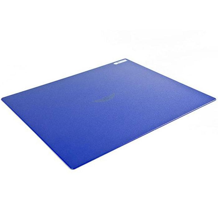 Zowie SWIFT, Blue коврик для мышиТ0025709Коврик для мыши Zowie SWIFT обладает отлично структурированной поверхностью, что позволяет уменьшить помехи движению устройства. Отличительным признаком является также небольшой уровень шума во время скольжения мыши по поверхности. Основание коврика отличается большим количеством резиновых прокладок в форме логотипов Zowie, что позволяет коврику прочно удерживаться на поверхности. Zowie SWIFT позволяет делать быстрые движения, не теряя при этом контроль слежения. Закругленный края обеспечивают более высокий уровень комфорта.