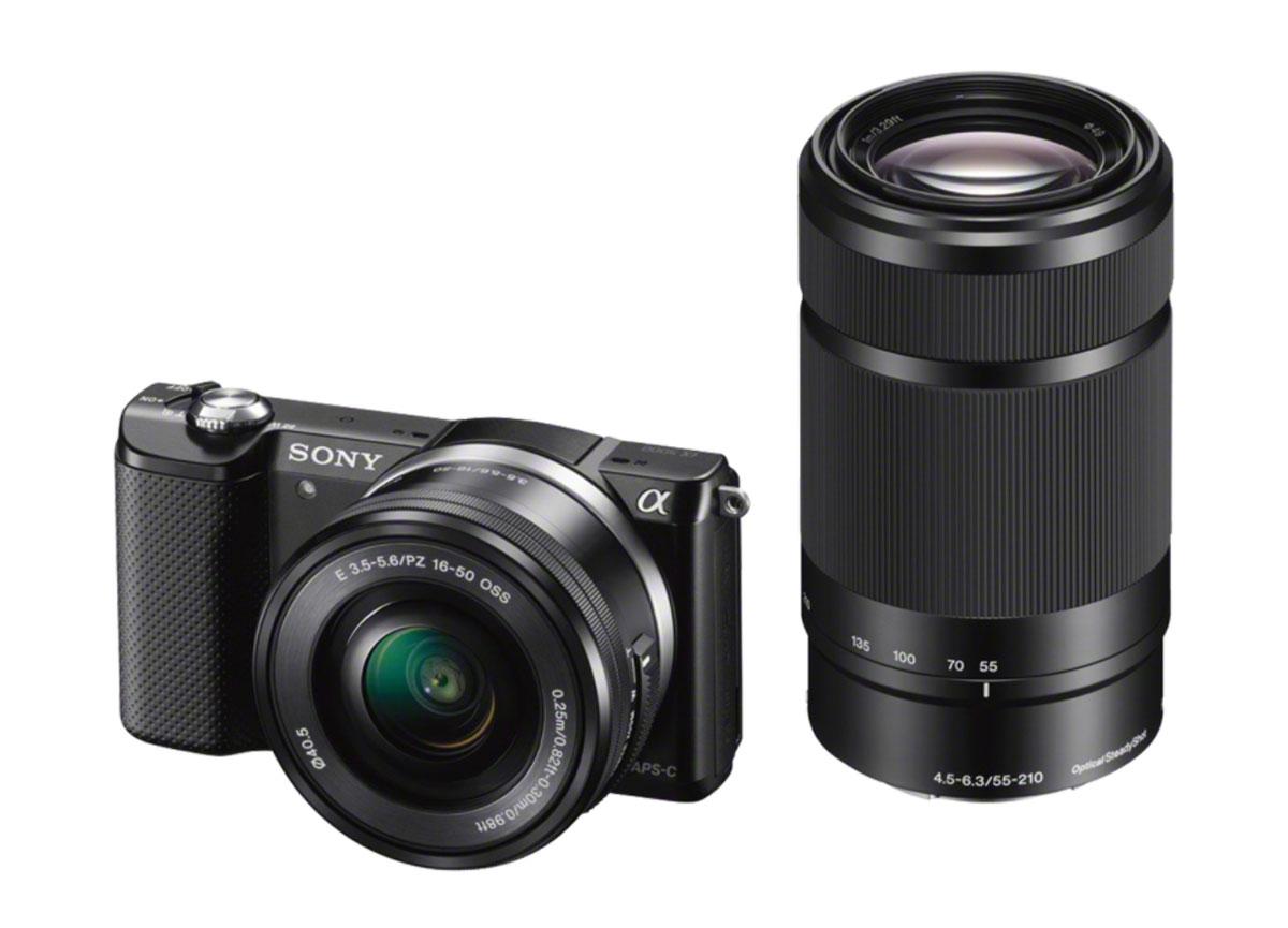 Sony Alpha A5000 Kit 16-50mm + 55-210mm, Black цифровая фотокамераILCE5000YB.CECКомпактная камера со сменной оптикой Sony Alpha A5000. Благодаря большой матрице Exmor APS HD CMOS 20.1 Мпикс камера позволяет получать снимки с высоким разрешением и качеством DSLR без цифрового шума или ухудшения чувствительности в условиях низкой освещенности. С новым процессором изображений BIONZ X можно добиться невероятных результатов: еще более точная цветопередача, улучшенное шумоподавление и еще более скоростная серийная съемка. Удобный рычаг зума на корпусе камеры позволяет легко и плавно настраивать зум одной рукой даже при съемке автопортретов, придавая камерам со съемной оптикой удобство компактных фотокамер. Вспышка, встроенная в компактный корпус камеры, пригодится, когда для съемки понадобится дополнительный источник света. Высокая чувствительность ISO - от 100 до 16000 - позволяет делать снимки практически в любых условиях. В режиме Superior Auto делать великолепные фотографии как никогда просто: нужно просто навести объектив и нажать кнопку...