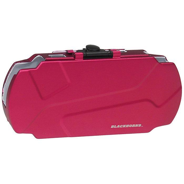 Защитный чехол Black Horns Luxury для Sony PSP 2000/3000 (красный)BH-PSP02629(R)Тонкий и легкий защитный чехол Black Horns Luxury для PSP 2000/3000 выполнен из высококачественного сплава, прочного и легкого. Имеет два кармашка под карты памяти. Надежно защищает вашу игровую консоль от пыли, грязи, царапин и потертостей. Верхняя крышка защитного чехла может вращаться к нижней стороне чехла. Чехол можно использовать в качестве подставки при просмотре фильмов, картинок или при прослушивании музыки. Обеспечивает свободный доступ ко всем средствам и кнопкам управления.