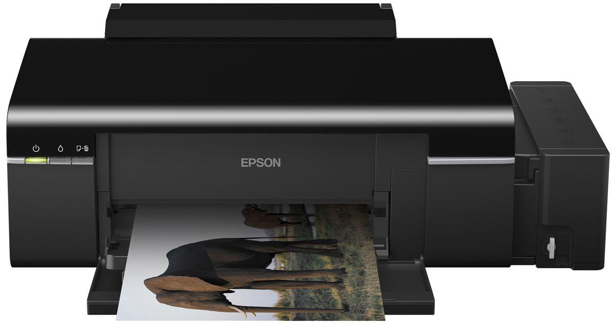 Epson L800 6-цветный принтерC11CB57301Epson L800 - уникальное 6-цветное устройство со встроенными большими емкостями для чернил, специально созданное для тех, кому необходима экономичная печать фотографий и СD/DVD дисков - для фотосалонов, фотолабораторий, частных фотографов, которые работают на дому, и многих других бизнес-пользователей. Компактный струйный фотопринтер Epson L800 позволяет печатать цветные фотографии высокого качества с рекордно низкой себестоимостью - менее 1,5 рублей за снимок 10х15 (без учета бумаги), а также оформлять коллекции CD/DVD дисков в индивидуальном дизайне. Высокое качество печати Благодаря уникальной технологии печати Epson Micro Piezo и точному контролю давления в емкостях с чернилами вы всегда получаете отпечатки превосходного качества. Специально разработанные материалы, на основе которых изготовлены компоненты устройства, обеспечивают долгий срок службы принтера и работу без поломок. Надежность и удобство работы Особенность...