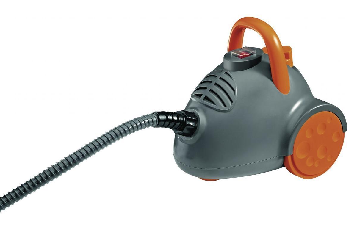 Clatronic DR 3536 Antrazit Orange парогенераторDR 3536 antrazit-orangeПрибор для чистки, дезинфекции и обезжиривания при температуре 100°С; Не оставляет известкового налета и разводов; Пароочистителем легко отпарить, освежить и удалить пятна с любой поверхности, включая верхнюю одежду, шторы, игрушки , мягкую мебель. Температура пара и мощность струи достаточны, чтобы уничтожить при обработке мягкой мебели (да и в любом труднодоступном месте квартиры) все бактерии, грибок, моль и даже ее личинки. Пароочиститель поможет вам удалить пыль, пятна и другие виды загрязнений с поверхностей стекол, оконных рам ( прочистить их щели и стыки), кафельной плитки . Производит санитарную обработку и чистку унитаза , раковины, дверей, душевых кабинок, внутренность холодильника и.д. Безопасность в соответствии со стандартом 1PX07; Давление 3,5 бара; Резервуар для воды объемом около 600 мл; Защита от превышения давления; Защита от перегрева; Длинный кабель ~ 5м; 9 Принадлежностей: 2 составная труба; мерный стакан; щетка, щелевая насадка, угловая насадка, насадка для...