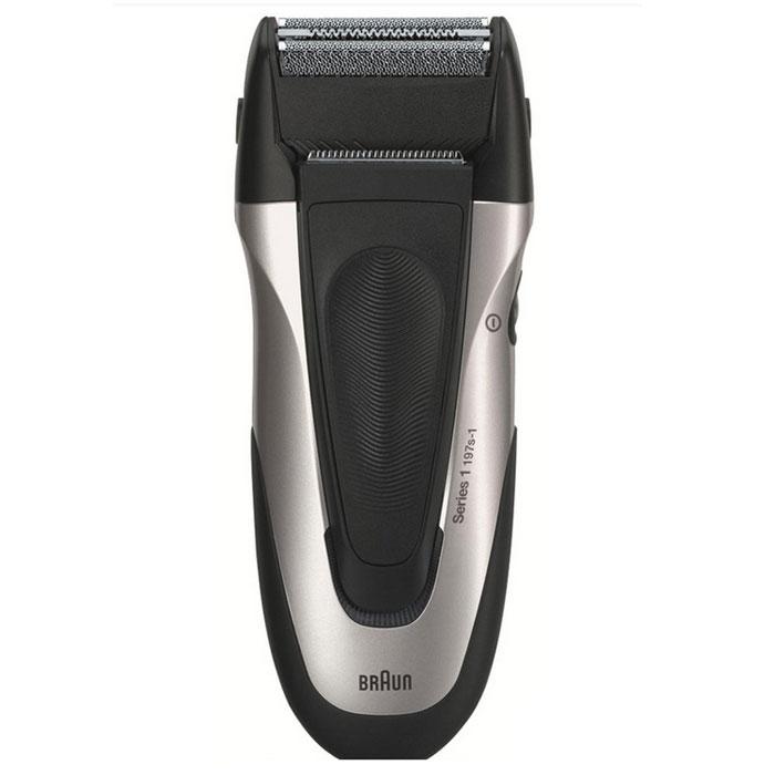 Braun Series 1 197 S-1197 S-1Электробритва Braun Series 1 197 S-1. Отличные бритвы Braun Series 1 для требовательных новичков. Эргономичный дизайн и плавающая бреющая головка подарят вам по-настоящему эффективное бритье. Маневренная бреющая головка: Гладкое бритье даже в труднодоступных местах. Легкая чистка под струей воды: Все бритвы Braun можно промыть под струей воды (убедитесь, что бритва отключена от электросети). Плавающая бреющая головка: Мягко адаптируется к вашим движениям для снижения раздражения. Сетка Smart Foil: Сетка с отверстиями различной формы захватывает волоски, растущие в разных направлениях.