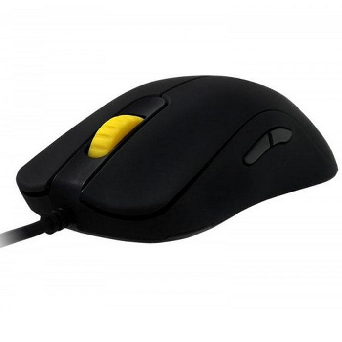 Zowie FK2, Black игровая мышьТ0025707На первый взгляд, Zowie FK2 является уменьшенной модификацией мыши Zowie FK1, которая по праву заслужила лестные отзывы среди профессиональных геймеров и киберспортсменов по всему миру. Zowie FK2 развивает идеи предыдущих моделей Zowie FK14 и FK1, комфортно уменьшая мышь в размерах, но сохраняя ее эталонную производительность и безупречный форм-фактор. Zowie FK2 вобрала в себя весь многолетний опыт компании по разработке игровых девайсов для профессионалов — в том числе были учтены все достоинства FK1, которые инженерам удалось воплотить в данной модели.