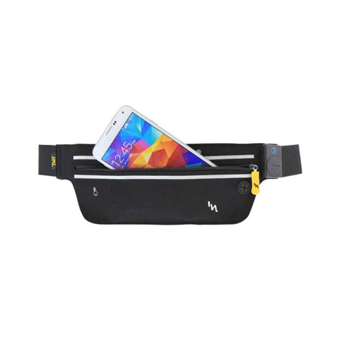 TNB SPBELTLED сумка для смартфона, BlackSPBELTLEDTNB SPBELTLED - надежный и удобный спортивный чехол для смартфонов и портативных плееров с диагональю экрана до 5,7 дюймов. Данная модель идеально подходит для бега и активного отдыха. Внутри имеется карман для ключей, а также специальное отверстие для провода наушников. Встроенные светодиоды с тремя режимами помогут обеспечить безопасность во время пробежек.