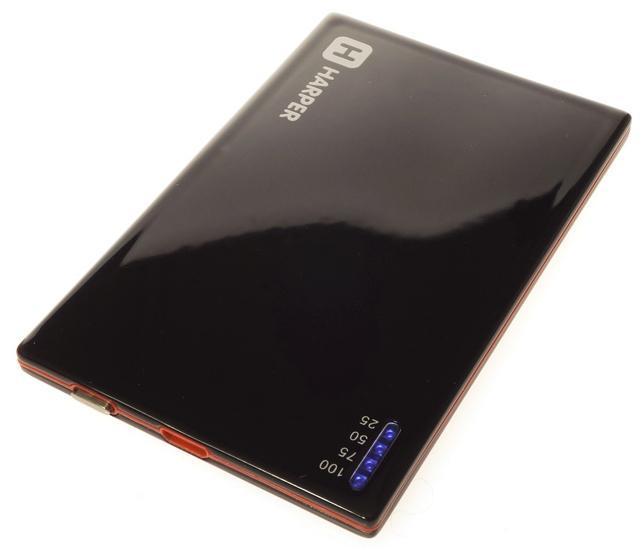 Harper PB-2001, Black внешний аккумуляторPB-2001 blackУникальность модели заключается в сочетании компактных размерах и довольно большой емкости батареи аккумулятора. Толщина аккумулятора составляет всего 4,5 миллиметра. Легко умещается в заднем кармане брюк или даже в бумажнике. При этом объем заряда 2000 мАч. Этого достаточно для того чтобы полностью зарядить батарею большинства популярных среди пользователей смартфонов. А любители активного пользования мобильных устройств подтвердят как важно иметь возможность вовремя подзарядить телефон.