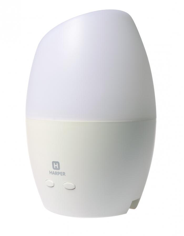 Harper HLAL-720 аромалампа ультразвуковаяHLAL-720Новая модель лампы с аромадиффузором Harper HLAL-720 имеет небольшие габариты, благодаря чему, она может легко разместиться на рабочем столе или на стойке ресепшена в офисе или другом общественном месте. Особенности аромаламп Harper Аромалампы Harper не нагревают воду для испарения. Отсутствует лишнее тепло и продукты горения от свечи. ультразвуковое устройство испарения обогащает воздух отрицательными ионами (ионизирует). Лампа насыщает воздух полезным для здоровья кислородом. Использование ультразвукового испарителя позволяет сделать аромалампы Harper и энергоэффективными. индикатор уровня воды автоматически отключит лампу, если закончится вода в емкости испарителя. Это делает лампу безопасной. Оригинальные дизайнерские решения и встроенная светодиодная подсветка делают аромалампы Harper хорошим украшением практически любого интерьера. Увлажняет воздух, создавая легкую струйку тумана из распыленной влаги. Harper HLAL-720 имеет...