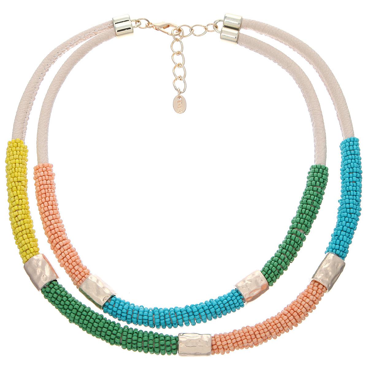 Колье Taya, цвет: мультиколор. T-B-9876T-B-9876-NECK-MULTIЛаконичное, но яркое колье Taya выполнено в виде двух жгутов из экокожи, которые плотно обвиты разноцветными бисерными нитями. Законченность образу добавляют золотистые цилиндрики из мятого металла, которые удачно разграничивают цвета колье. Колье застегивается на застежку-карабин с регулирующей длину цепочкой. Такое украшений поможет вам создать уникальный и запоминающийся образ и позволит выделиться среди окружающих.