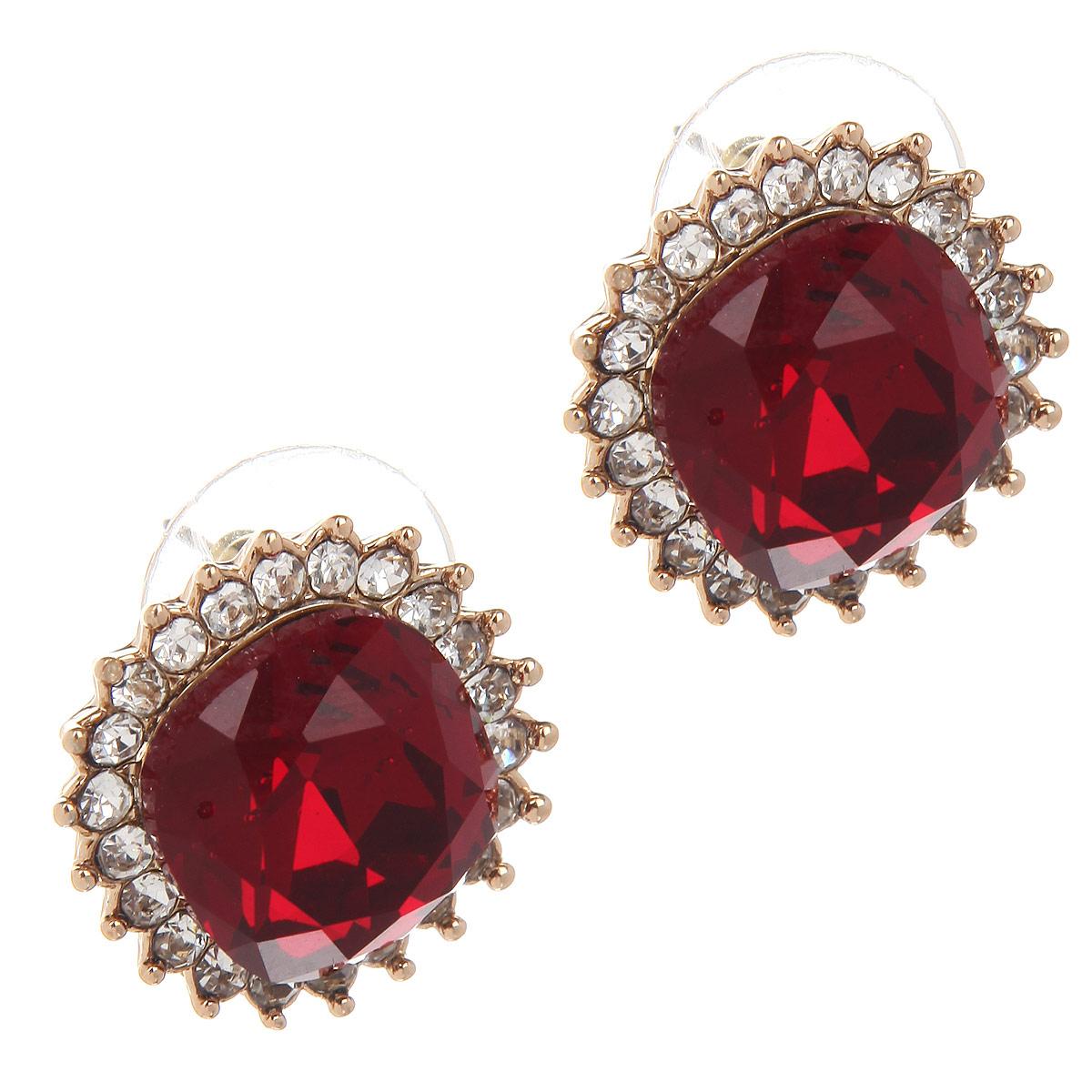 Серьги Taya, цвет: золотистый, красный. T-B-6052T-B-6052-EARR-GL.REDЭлегантные серьги Taya в классическом стиле, выполненные из гипоаллергенного сплава на основе латуни, не оставят равнодушной ни одну любительницу изысканных и необычных украшений. Они представлены в форме квадрата с закругленными углами, дополненного красным камнем той же формы и мелкими камушками по кругу. Серьги имеют надежную застежку-гвоздик, который фиксируется с помощью металлической задвижки. Такие серьги позволят вам с легкостью воплотить самую смелую фантазию и создать собственный, неповторимый образ.