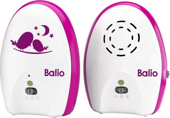 Balio Радионяня МB-02МB-02Беспроводная система наблюдения Balio МB-02 состоит из двух основных элементов: передатчика (детского блока) и приемника (родительского блока). Передатчик (детский блок) работает в стационарном режиме с питанием от сетевого адаптера. Приемник (родительский блок) может работать как от сетевого адаптера питания, так и от батареек или аккумуляторов (в комплект не входят), обеспечивающих возможность эксплуатации блока в переносном режиме.