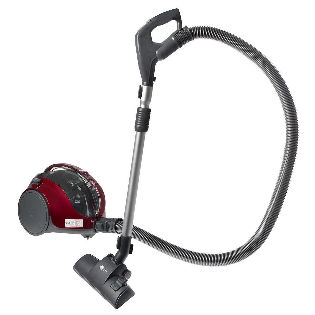 LG VK74W46H пылесосVK74W46HПылесос LG VK74W46H оснащен системой циклонической обработки всасываемой пыли, благодаря которой теперь вам не составит труда вытряхнуть скопившуюся пыль. Еще одна положительная особенность данной системы в том, что наполненность пылесборника никак не влияет на мощность всасывания. Она составляет 380 ватт. Вместе с тем, мощность потребления электроэнергии составляет совершенно небольшую величину – 1250 ватт. Среди прочих конструкторских дополнений модель обладает телескопической системой регулировки трубки всасывания, переключателем мощности на рукоятке, индикатором наполненности пылесборника и пятиметровым кабелем питания.