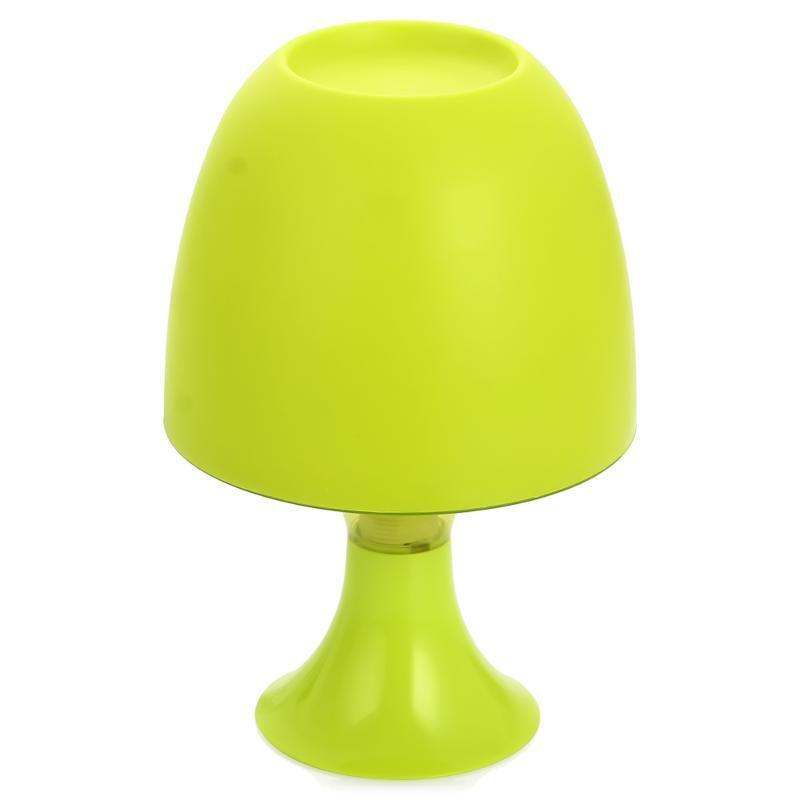 Светильник-ночник KT002A зелёныйKT002AУльтра Лайт KT002A это настольный ночник, выполненный из термостойкого пластика. В светильнике используется энергосберегающая лампа 9 Ватт. Продуманная конструкция ночника обеспечивает комфорт и удобство использования. Данный ночник создаст притягательную атмосферу необыкновенного уют