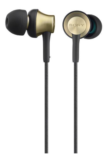 Sony MDR-EX650AP, Gold наушникиMDREX650APT.CE7Чистота звучания, меньше вибраций Применение латунного сплава для ровного звучания и меньшего резонанса. Четкое и ровное звучание каждой ноты без нежелательных вибраций. Корпус наушников MDR-EX650APT выполнен из цельной латуни, что сокращает искажения звука и обеспечивает ровное звучание. Новые вкладыши скошенной конструкции надежно и незаметно держатся в ухе. Мощная мембрана небольшого диаметра. Невероятная четкость звучания каждой ноты при компактной и высокочувствительной мембране. Широкая частотная характеристика. Глубокие низкие басы и яркие высокие ноты благодаря расширенному звуковому диапазону. Минимум искажений благодаря латунному сплаву. Латунь имеет схожие характеристики плотности со сталью, при этом отлично гасит нежелательные вибрации и обеспечивает ровное звучание. Латунный корпус этих наушников обеспечивает низкий резонанс в сравнении с характеристиками традиционных материалов. Чистое ровное звучание. В результате поисков более ровного звука и более чистого...