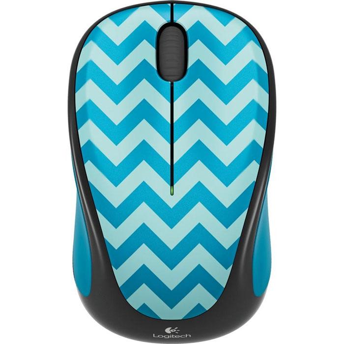 Logitech Wireless Mouse M238, Teal Chevron мышь910-004520Logitech Wireless Mouse M238 - яркая красочная мышь с характером, которая подарит вам хорошее настроение. Удобное колесико прокрутки позволяет быстро просматривать веб-страницы и объемные документы. Благодаря своей портативности, мышь можно захватить с собой, куда бы вы ни направлялись. Поставляемый в комплекте наноприемник позволяет использовать Logitech Wireless Mouse M23 на расстоянии до 10 м от устройства. Модель совместима со всеми основными операционными системами. Одного заряда батарейки хватает надолго - до 12 месяцев (зависит от режима эксплуатации и аппаратной конфигурации).