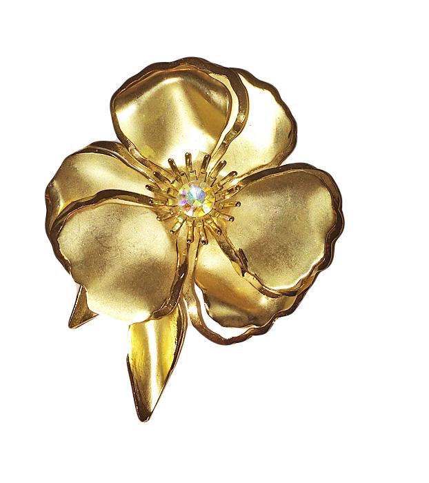 Винтажная брошь Золотой цветок. Бижутерный сплав золотого тона, эмаль золотистого тона, кристалл. США, 1960-е годыНечаева 0410-03Винтажная брошь Золотой цветок. Бижутерный сплав золотого тона, эмаль золотистого тона, кристалл. США, 1960-е годы. Размер броши 6 х 8 см. Сохранность хорошая.