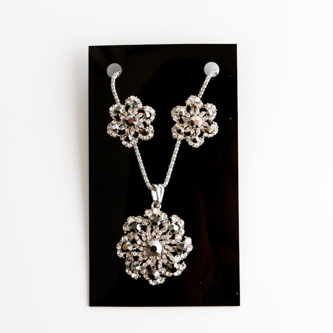 Комплект украшений Fashion House: колье, серьги, цвет: серебристый, серый. FH28092 ( FH28092 )