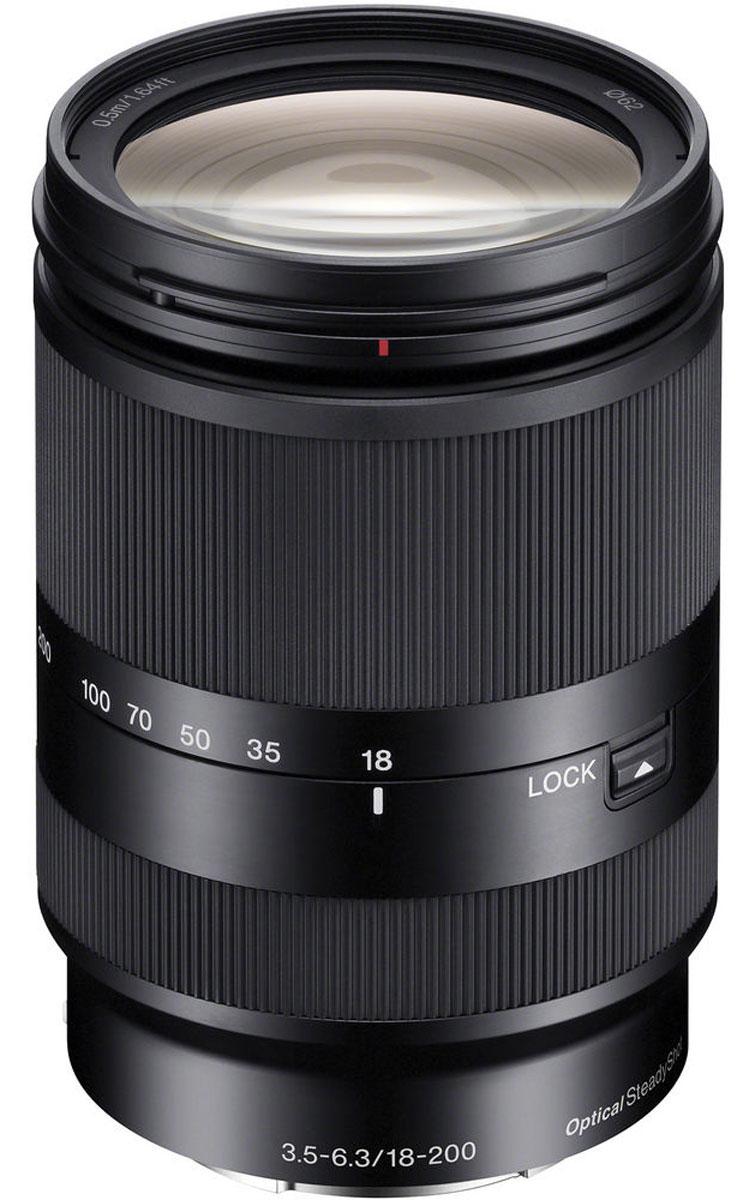 Sony 18-200mm F/3.5-6.3, Black объектив для NexSEL18200LE.AEУниверсальный, легкий объектив с 11-кратным зумом Sony 18-200mm более легкий и компактный, чем другие подобные объективы. Имеет широкий диапазон фокусных расстояний, от широкоугольных до длиннофокусных. Идеальный объектив с большим увеличением для путешествий. Стабилизатор изображения Optical SteadyShot, встроенный в объектив, позволяет создавать плавные, несмазанные фотографии и видеозаписи при съемке с рук. Вместо стандартной диафрагмы объектива в форме многоугольника, этот объектив имеет 7-лепестковую круглую диафрагму для более естественной, скругленной дефокусировки или эффекта боке. Асферические элементы объектива сводят искажения к минимуму, а линзы из стекла со сверхнизкой дисперсией повышают контрастность, разрешение и четкость цветов. Благодаря механизму внутренней фокусировки корпус объектива не движется, что делает конструкцию более компактной, отклик автофокуса - более быстрым, а также сокращает минимальную...