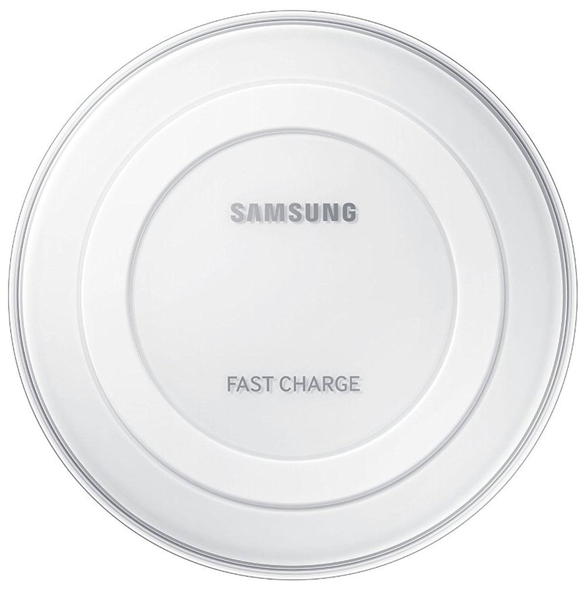 Samsung EP-PN920, White беспроводное зарядное устройствоEP-PN920BWRGRUС беспроводным зарядным устройством Samsung EP-PN920 заряжать смартфон стало проще и быстрее, чем когда-либо. Не нужно подключать кабель к смартфону, достаточно положить ваше мобильное устройство на зарядную панель, и быстрая зарядка начнется автоматически. В отличие от большинства обычных зарядных устройств, беспроводное зарядное устройство Samsung EP-PN920 имеет уникальный и красивый дизайн. Прозрачные элементы и глянцевое покрытие корпуса добавляют изысканности, а элегантная округлая форма устройства добавит стиля любому интерьеру. Специальный LED-индикатор позволит вам контролировать статус зарядки мобильного устройства, меняя цвет с небесно-голубого на ярко-зеленый, когда аккумулятор полностью заряжен.