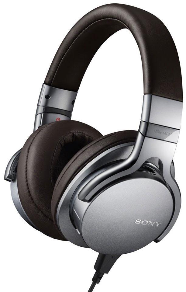 Sony MDR-1ADAC, Silver наушникиMDR1ADACS.EЭти наушники оснащены встроенным USB ЦАП-усилителем и обеспечивают цифровое подключение к устройствам, благодаря чему вся ваша музыка будет максимально приближена к оригинальному звучанию. Поскольку сигнал преобразуется в аналоговый только при достижении динамика, вы сможете насладиться непревзойденной четкостью и точностью каждого трека.
