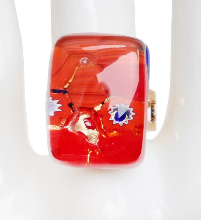 Кольцо коктейльное Кармен. Муранское стекло, бижутерный сплав золотого тона, ручная работа. Murano, Италия (Венеция)pokka-2761-108-1Кольцо коктейльное Кармен. Муранское стекло, бижутерный сплав золотого тона, ручная работа. Murano, Италия (Венеция). Размер регулируется. Сохранность превосходная, изделие новое. Каждое изделие из муранского стекла уникально и может незначительно отличаться от того, что вы видите на фотографии.