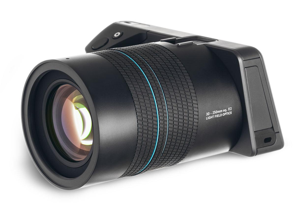 Lytro Illum B5-0036 цифровая фотокамераB5-0036Lytro Illum - это уникальный профессиональный фотоаппарат с пост-фокусировкой. Представляет собой следующее поколение невероятной камеры Light Field Camera, впервые в мире давшей возможность фотосъемки с последующей перефокусировкой в кадре. То есть уже сделав снимок и скопировав его на компьютер с помощью специальной утилиты можно изменить точку фокусировки камеры. Промахи фокуса с Lytro Illum не страшны, тем более что новая версия камеры от Lytro дает еще более широкие возможности по сравнению с моделями предыдущего поколения. Разрешение матрицы составляет 40 мегалучей, а максимальный размер снимка в формате 2D составляет 2450x1634. Технология Light Field записывает информацию об интенсивности освещения сцены, а также о направлении света. Сенсор Lytro использует массив микролинз расположенных напротив обычного сенсора (в данном случае CMOS) чтобы различать информацию об интенсивности освещения, его направлении и о цвете. Затем фирменное ПО преобразует...