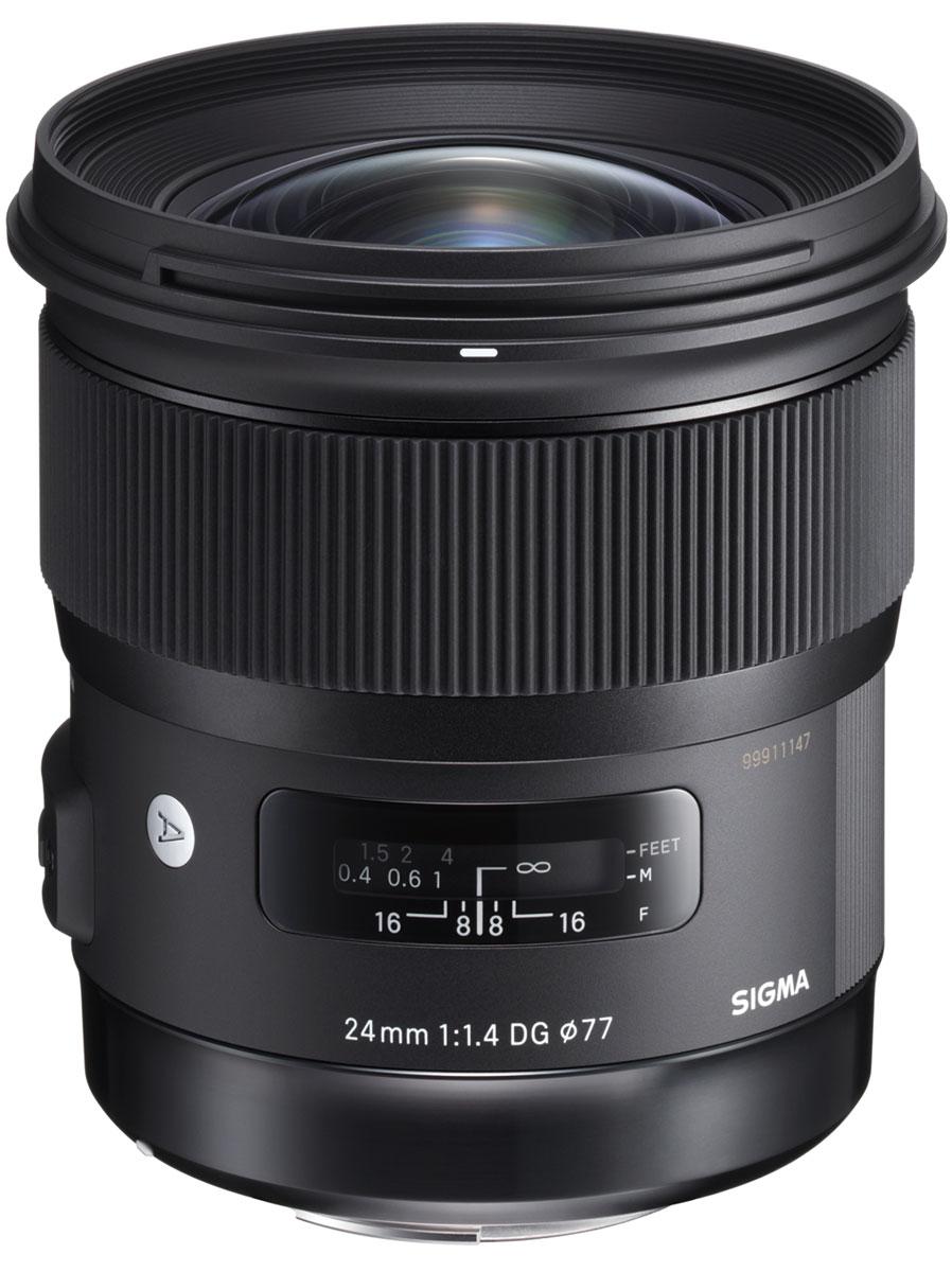 Sigma AF 24mm F1.4 DG HSM Art, Black объектив для Nikon401955Широкоугольный объектив Sigma AF 24mm F1.4 DG HSM Art с ультразвуковым мотором автоматической фокусировки предназначен для использования с полнокадровыми зеркальными фотокамерами. Конструкция Sigma AF 24mm F1.4 DG HSM Art включает 15 элементов в 11 группах, среди которых 2 асферические линзы, 3 элемента из FLD и 4 из SLD стекла. Такая конструкция позволила свести к минимуму возможность возникновения хроматических аберраций также успешно, как и в других объективах Art-серии. 9 скругленных лепестков диафрагмы обеспечивают качественное боке, угол поля зрения в 35-мм эквиваленте составляет 84,1°, а минимальная рабочая дистанция фокусировки в 25 см открывает дополнительные возможности для творчества. Благодаря широкому углу обзора, малому весу и миниатюрности, в целом, модель можно отнести к группе универсальных объективов и использовать как основную для ежедневной съемки. Если рассматривать частности, то Sigma AF 24mm F1.4 DG HSM Art отлично подойдет для ...