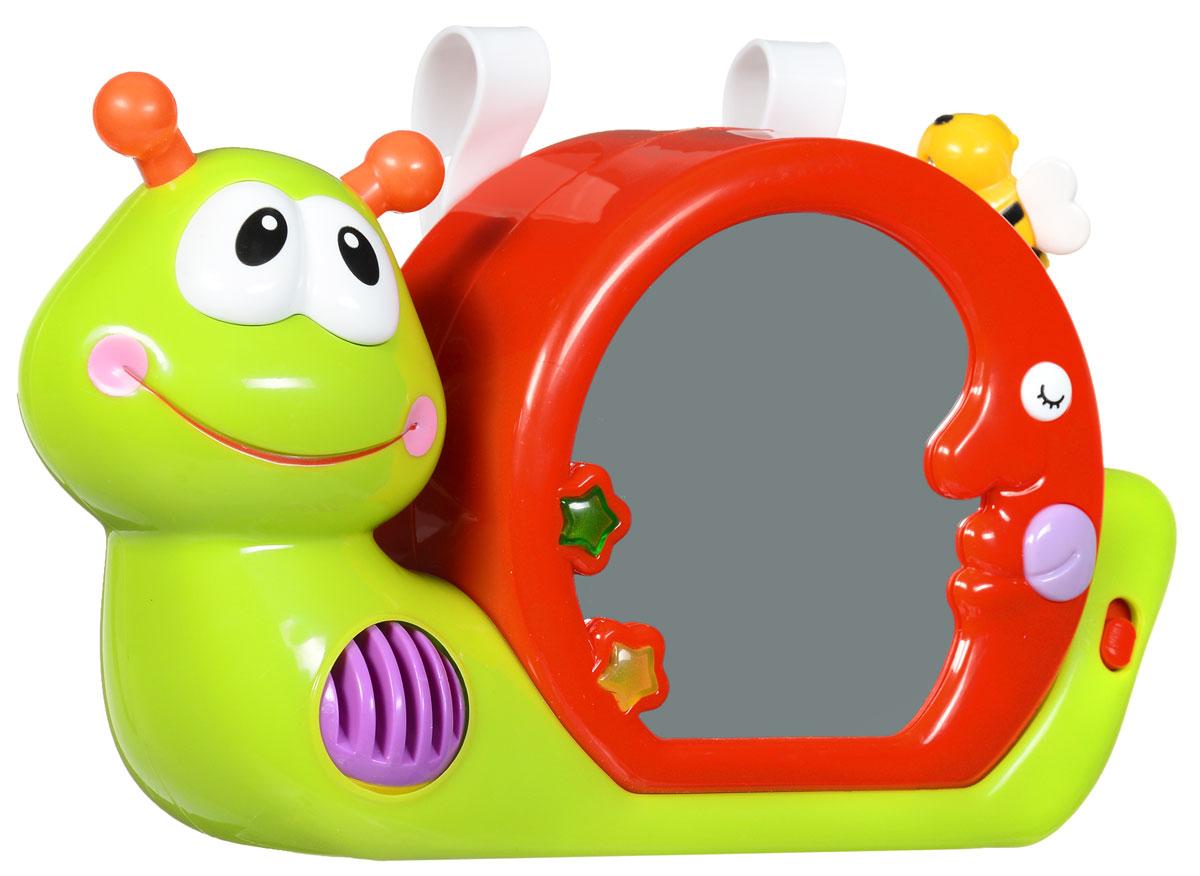 Kiddieland Панель-ночник на кроватку УлиткаKID 045963Панель-ночник на кроватку Kiddieland Улитка сразу же привлечет внимание вашего малыша своим ярким видом и интересным дизайном. Его можно прикрепить к кроватке при помощи специального ремешка. Ночник поможет вашему ребенку уснуть и успокоит его в том случае, если он вдруг проснется. В арсенале изделия несколько спокойных убаюкивающих мелодий, а также специальные световые эффекты, благодаря которым ночник может создавать милые проекции на потолке и стенах. Ночник сделан в виде забавной улитки с раковиной-полумесяцем, который представляет собой маленькое зеркальце. Смотря в него, ваш ребенок научится воспринимать окружающее пространство и отличать себя от других людей. Для работы игрушки необходимы 3 батарейки типа АА (товар комплектуется демонстрационными).