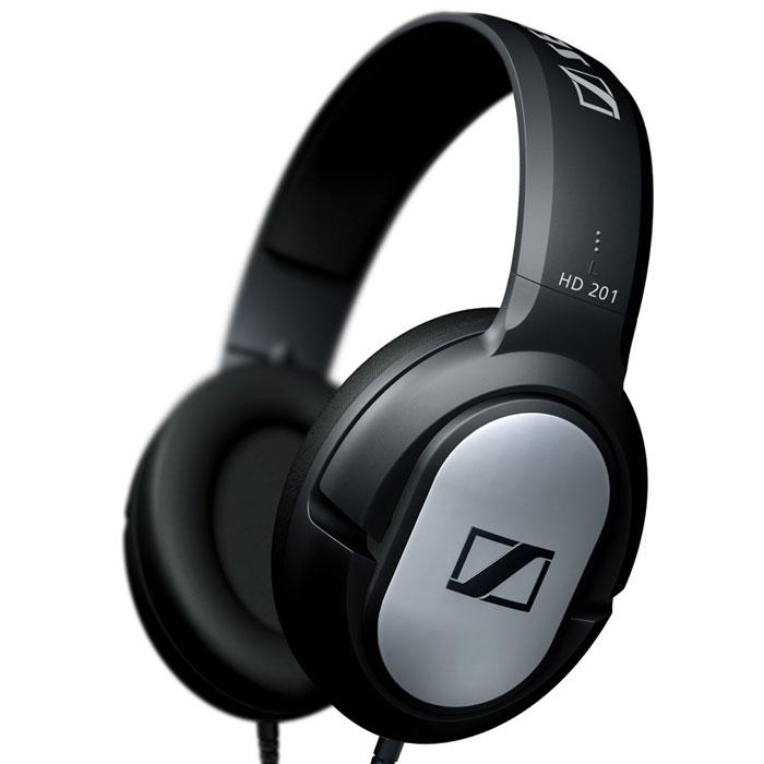 Sennheiser HD 201 наушникиHD 201Sennheiser HD 201 - это исключительно прочные закрытые динамические стереонаушники для любителей музыки. Легкие и комфортные наушники обеспечивают хорошую защиту от внешних шумов, мощный стереозвук и богатые, отчетливые низкие частоты. Мощная звукопередача Сочные, отчетливые низкие частоты Малый вес и высокая комфортность Надежная защита от внешних шумов Исключительная прочность Высококачественные амбушюры из искусственной кожи Позолоченный разъем джек 3,5 мм, адаптер-переходник на джек 6,3 мм