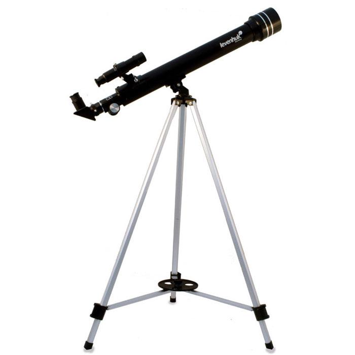 Levenhuk Skyline 50x600 AZ телескопSkyline 50x600 AZКомпактный рефрактор Levenhuk Skyline 50х600 AZ станет прекрасным подарком для начинающего астронома. Качественная оптика обеспечивает передачу четкой картинки. Телескоп прост в сборке и управлении, поэтому с ним легко справится даже новичок. Эта модель предназначена для наблюдения объектов Солнечной системы. С ее помощью можно увидеть детали лунной поверхности, фазы Венеры, кольца Сатурна, Уран и Нептун в виде звезд и многое другое. Оптические поверхности покрыты специальным просветляющим составом, благодаря чему изображение получается резким и чистым. 5-кратный оптический искатель позволяет быстро найти интересующий вас объект. В комплект входят 3 окуляра и трехкратная линза Барлоу, позволяющая увеличить фокусное расстояние телескопа в 3 раза! Для обзорных наблюдений лучше использовать окуляр 20 мм (30x). Чтобы изучить объект более подробно, рекомендуется воспользоваться окулярами 12,5 мм (48x) и 4 мм (150x). Оборачивающий окуляр 1,5x необходим...