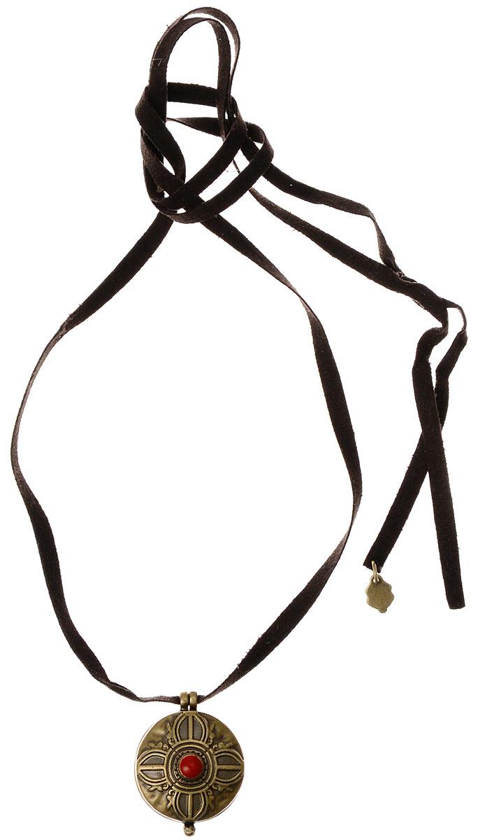 Подвеска Fashion House Кельтская, цвет: золотой, коричневый. FH23661FH23661 КельтскаяОригинальная кельтская подвеска Fashion House выполнена из металла, дополнена кельтским узором и оформлена эмалью. Подвеска дополнена замшевым шнурком. Такая подвеска позволит вам с легкостью воплотить самую смелую фантазию и создать собственный, неповторимый образ.
