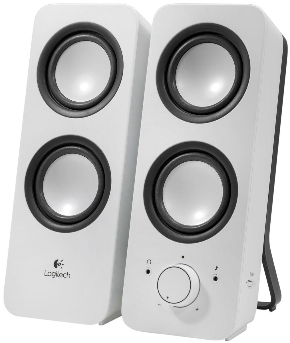 Logitech Z200, Snow White (980-000811) колонки980-000811Компактная акустическая система Logitech Z200 воспроизводит кристально-чистый звук и не требует много места на столе. Выходная мощность 10 Вт позволяет наслаждаться громкостью звука, когда вы смотрите фильмы, слушаете музыку или играете в игры. Управление системой и разъем для наушников вынесены на лицевую панель одной из колонок. Почувствуйте ритм Эти стереоколонки с пиковой мощностью в 10 Вт дают насыщенный, чистый и мощный стереозвук и обеспечивают великолепную акустику во всей комнате. Все управление под рукой На передней панели находятся совмещенные регулятор громкости и выключатель питания, разъем для наушников и дополнительный вход. Регулировка басов Поверните регулятор частот на боку мультимедийной колонки, чтобы добавить басов.