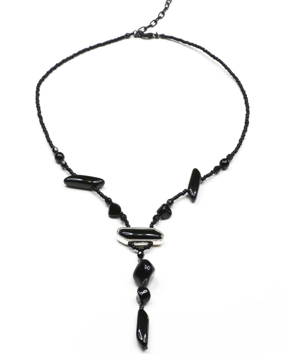 Ожерелье Bohemia Style, цвет: черный. BW1218 9126 49BW1218 9126 49Оригинальное ожерелье Bohemia Style не оставят равнодушной ни одну любительницу изысканных и необычных украшений. Изделие, изготовленное из гипоаллергенного материала, выполнено из медицинского сплава томпаг с родиевым покрытием, бусин из цветного богемского хрусталя и мелкого бисера из пластика, а также оформлено стильной подвеской. Ожерелье застегивается на карабин и оснащено цепочкой для регулирования размера. Такое ожерелье позволит с легкостью воплотить самую смелую фантазию и создать собственный, неповторимый образ.