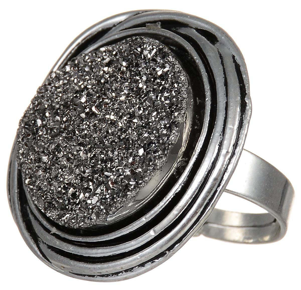 Кольцо Fashion House Звездный Бархат, цвет: серебряныйЗвёздный Бархат серебряное (размер универсальный)Оригинальное кольцо Fashion House Звездный Бархат выполнено из метала, с серебристым покрытием. Декоративный элемент в виде круга оформлен серебристым напылением. Такое кольцо позволит вам с легкостью воплотить самую смелую фантазию и создать собственный, неповторимый образ. Диаметр декоративного элемента: 3,7 см. Размер кольца: безразмерное.