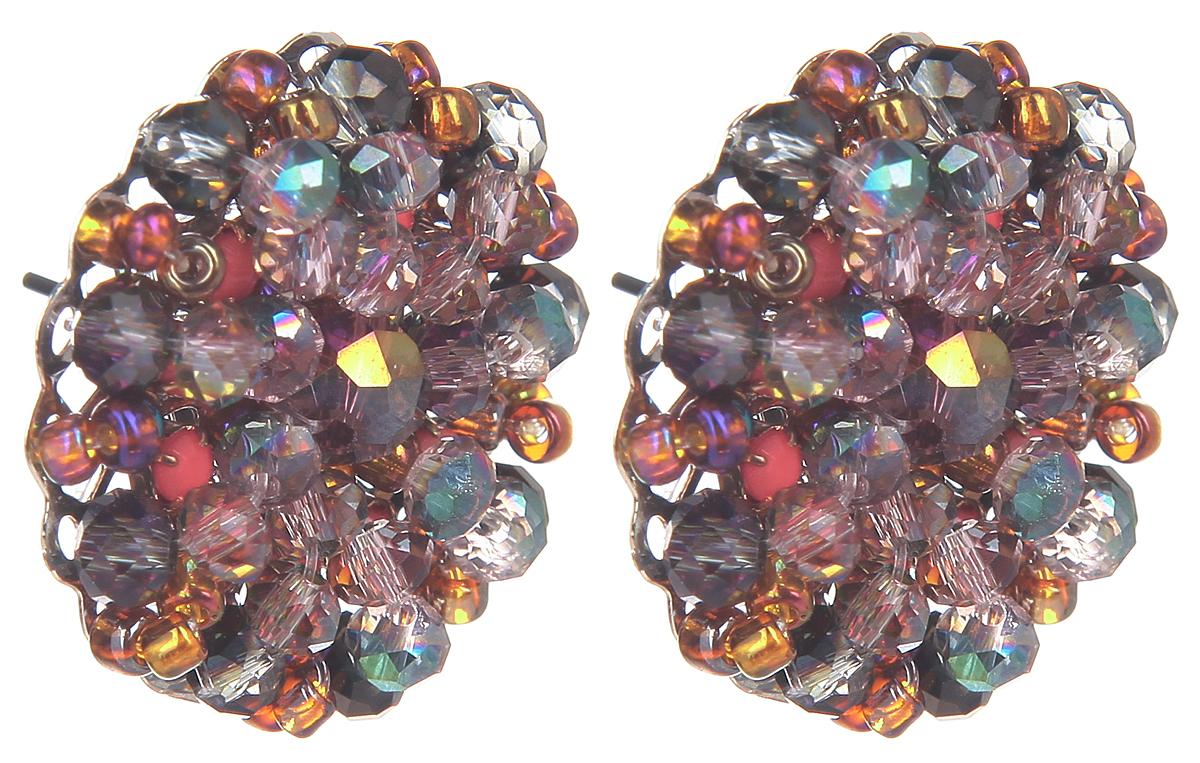 Серьги Fashion House, цвет: мультиколор. FH32046FH32046Оригинальные серьги Fashion House, выполненные из металла с серебристым покрытием в виде круга, инкрустированные композицией из бусин, стекляруса, бисера и кристаллов оригинальной расцветки. Серьги застегиваются на стоплер. Изящные серьги придадут вашему образу изюминку, подчеркнут красоту и изящество вечернего платья или преобразят повседневный наряд. Такие серьги позволит вам с легкостью воплотить самую смелую фантазию и создать собственный, неповторимый образ.