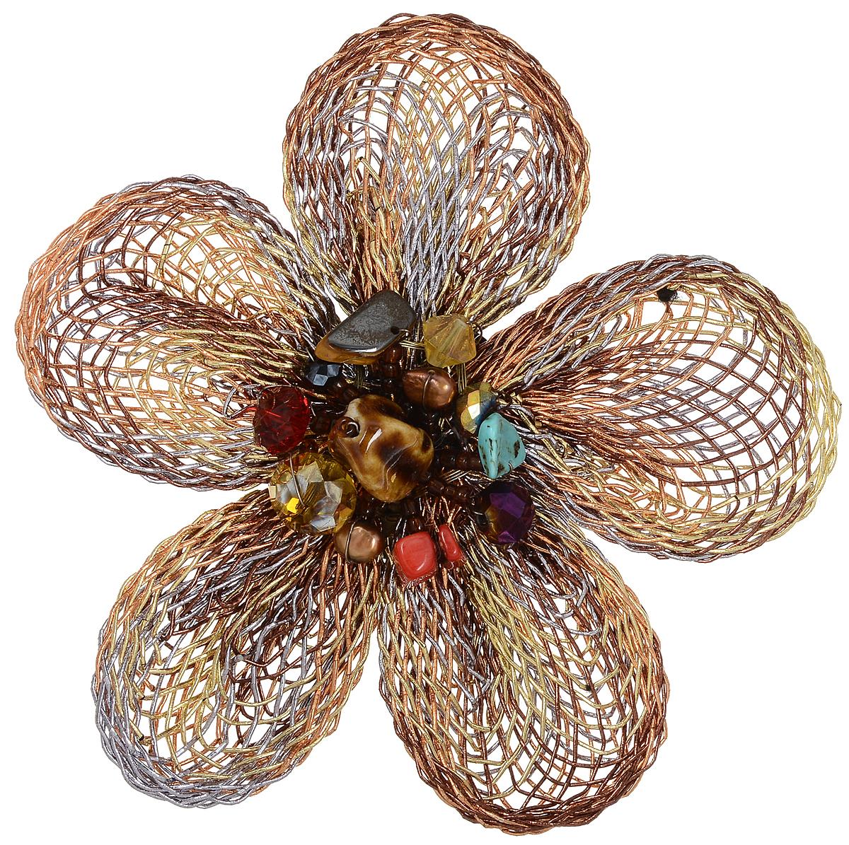 Брошь Taya, цвет: мультиколор. T-B-6809T-B-6809-BROOCH-MULTIСтильная брошь Taya выполнена в виде цветка из текстильных шнуров, центральная часть которого оформлена стеклянными бусинами разных размеров и форм. Изделие застегивается на английскую булавку. Брошь Taya блестяще подчеркнет изящество, женственность и красоту своей обладательницы.