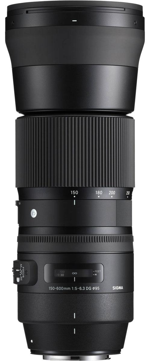 Sigma AF 150-600mm F/5-6.3 DG OS HSM|C, Black объектив для Nikon745955В своей линейке Sigma AF 150-600mm F5-6.3 DG OS HSM | C является первым гиперзумом. Объектив ориентирован на энтузиастов фотосъемки и отличается более компактным строением в сравнении с объективом SIGMA 150-600mm F5-6.3 DG OS HSM | Sports. Оптическая конструкция объектива включает 20 элементов в 14 группах, в числе которых 1 FLD и 3 SLD стекла. Минимальное значение диафрагмы составляет F22, минимальная дистанция фокусировки – 280 см. Угол обзора в 35 мм эквиваленте лежит в диапазоне 16.4° – 4.1°. Благодаря круглой 9 лепестковой диафрагме объектив создает качественное размытие зон, находящихся вне зоны фокуса. Специальное покрытие тыльной и фронтальной линз отталкивает жир и воду, а улучшенная система стабилизации с включением акселерометра упрощает фотографам работу над съемкой движущихся объектов. Усовершенствованный AF-алгоритм с режимом поддержки ручной доводки и привод Hyper Sonic Motor обеспечивают быстрый и тихий автофокус. ...